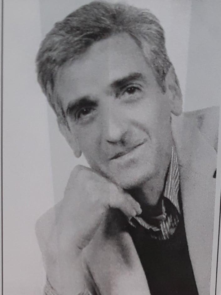 Απεβίωσε ο συμπατριώτης μας Μιχάλης Πλιτσης του Αθανασίου εν ενεργεία Καθηγητής Φυσικής Αγωγής ( Γυμναστής), Διευθυντής Ενιαίου Λυκείου Γιάννουλης Λάρισας.